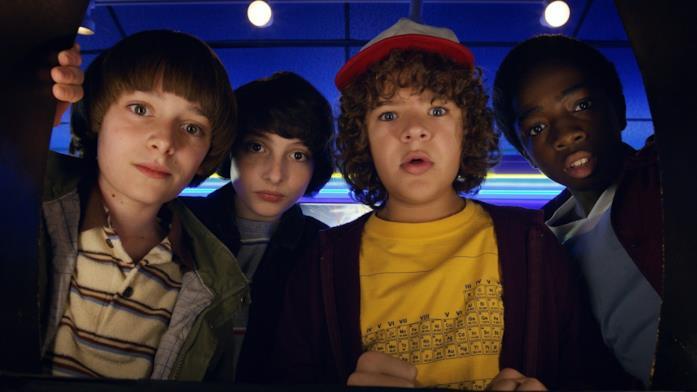 Will, Mike, Dustin e Lucas in una scena della prima stagione di Stranger Things