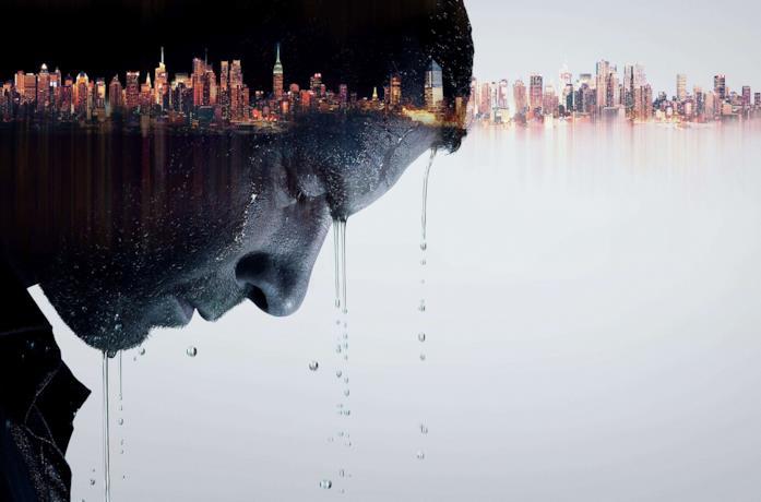 Liev Schreiber è l'omonimo protagonista, Ray Donovan, nel poster della serie