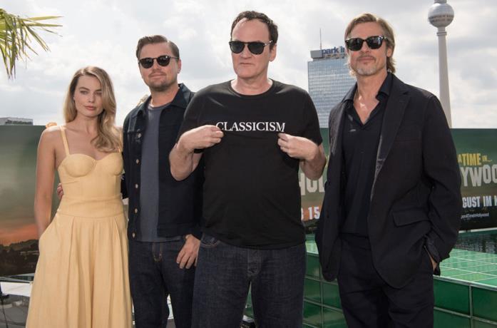 Quentin Tarantino e i protagonisti di C'era una volta a... Hollywood