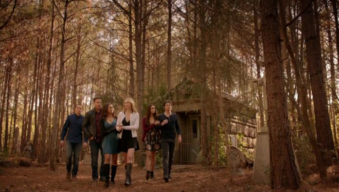 Il cast tra i boschi di Mystic Falls