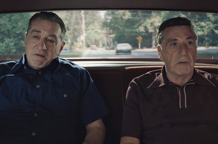 Robert De Niro e Al Pacino in una scena del film The Irishman