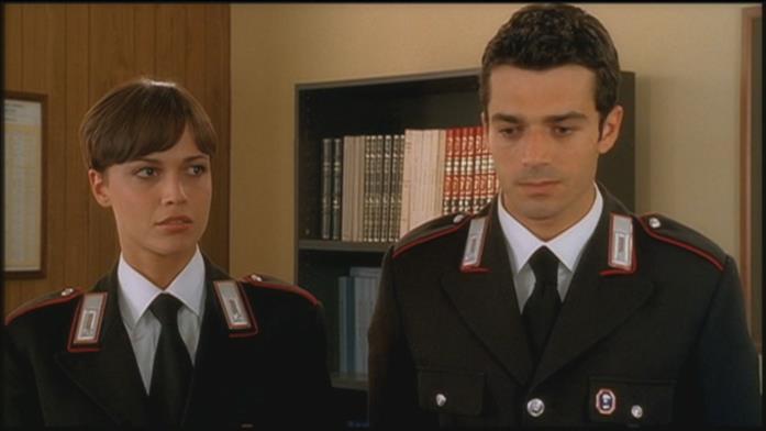 Un giovane Luca Argentero in Carabinieri