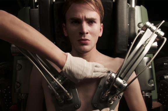 Chris Evans in Captain America - Il primo vendicatore