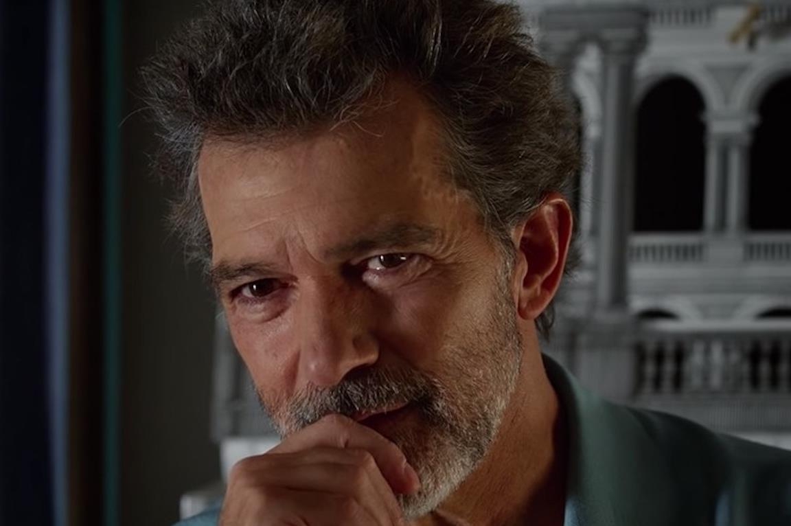 Antonio Banderas in una scena di Dolor y gloria