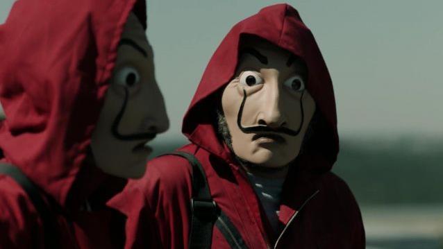 I rapinatori indossa la maschera
