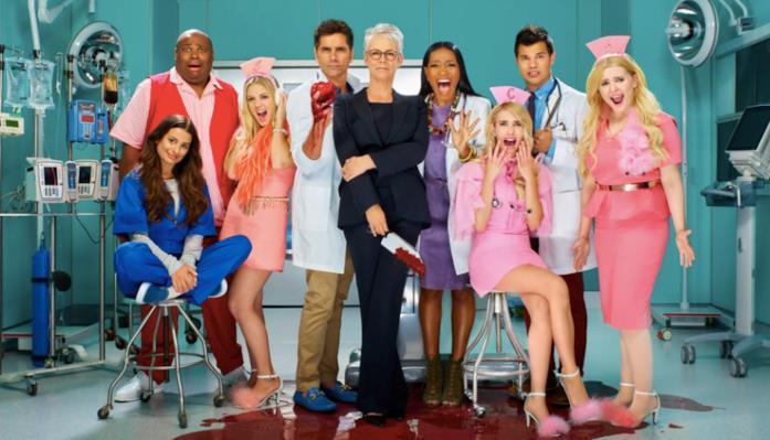 Un'immagine del cast di Scream Queens 2