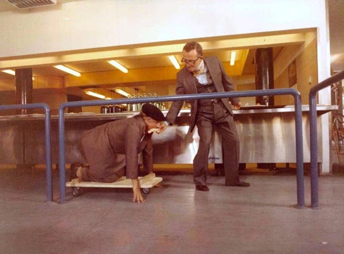 Paolo Villaggio e Gigi Reder in una scena del film