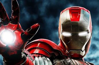 Un primo piano di Iron Man nel poster di Iron Man 2