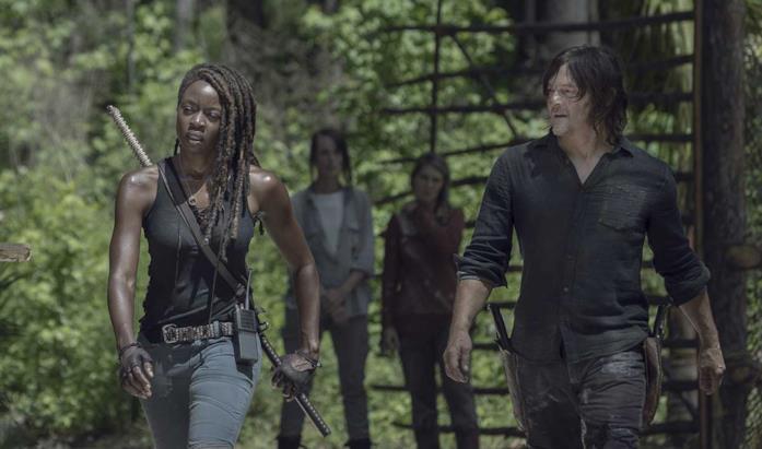 Dana Gurira e Norman Reedus in The Walking Dead