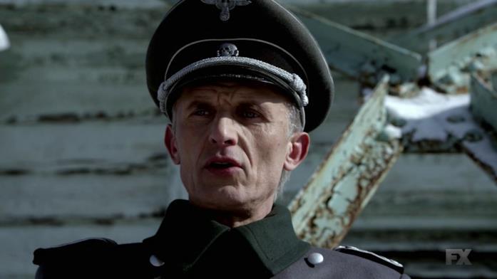 Thomas Eichhorst è interpretato dall'attore Richard Sammel