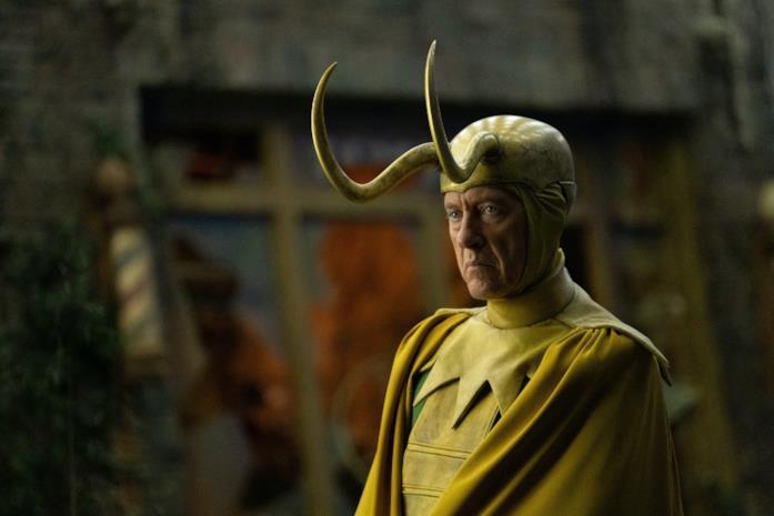 Richard E. Grant nel ruolo di Classic Loki