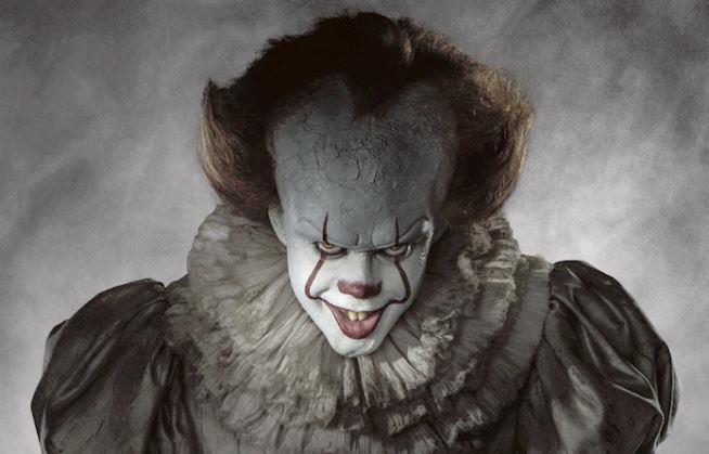 Bill Skarsgård interpreta il diabolico clown Pennywise