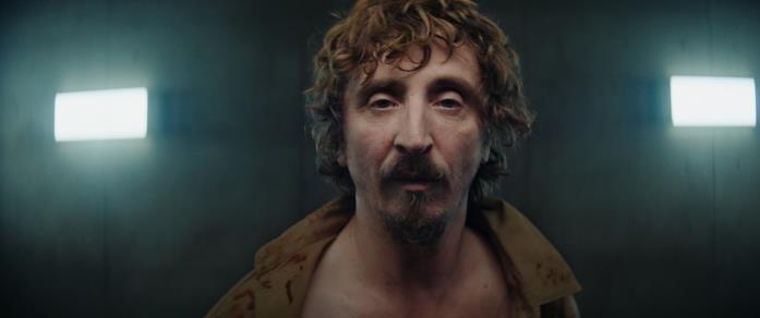 Iván Massagué in una scena del film Il buco