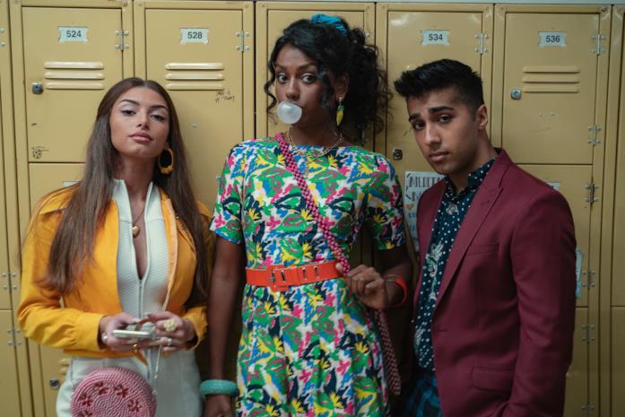 Ruby, Olivia e Anwar in una foto promo di Sex Education 3