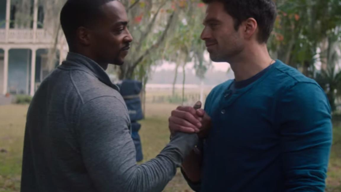 Anthony Mackie e Sebastian Stan in una scena di The Falcon and the Winter Soldier