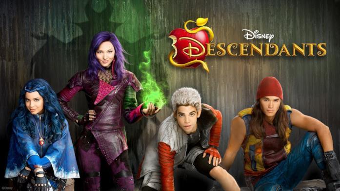 Sofia Carson, Dove Cameron, Cameron Boyce e Booboo Stewart nel poster di Descendants