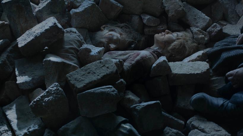 I corpi di Jaime e Cersei nell'episodio di GoT 8x06, The Iron Throne