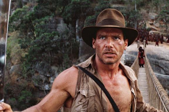 Indiana Jones in una scena tratta da Indiana Jones e il tempio maledetto