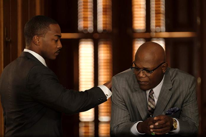 Anthony Mackie e Samuel L. Jackson in una scena del film The Banker