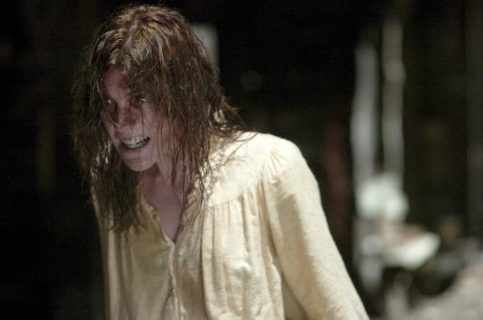 Emily Rose durante una possessione demoniaca