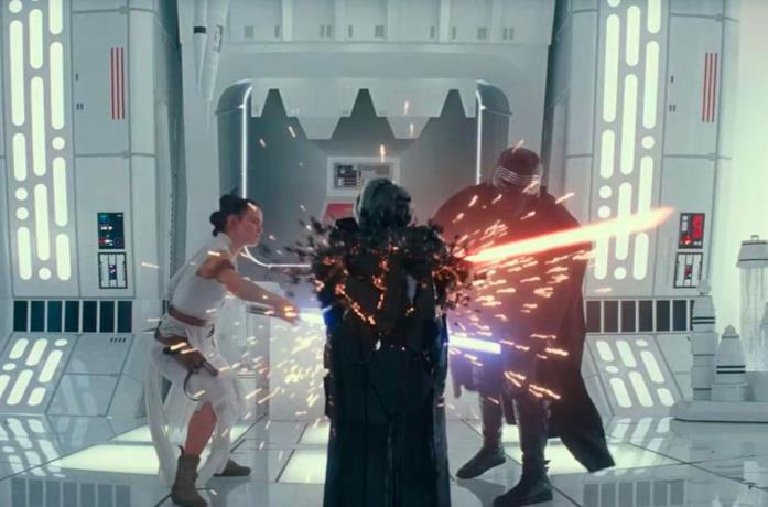 Rey e Kylo in una scena del film