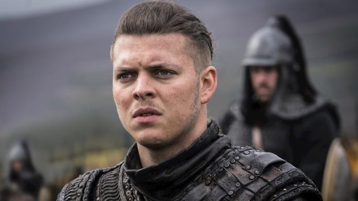 Primo piano di Alex Høgh Andersen in Vikings
