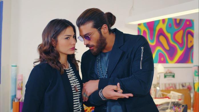 Sanem e Can in una scena di Daydreamer