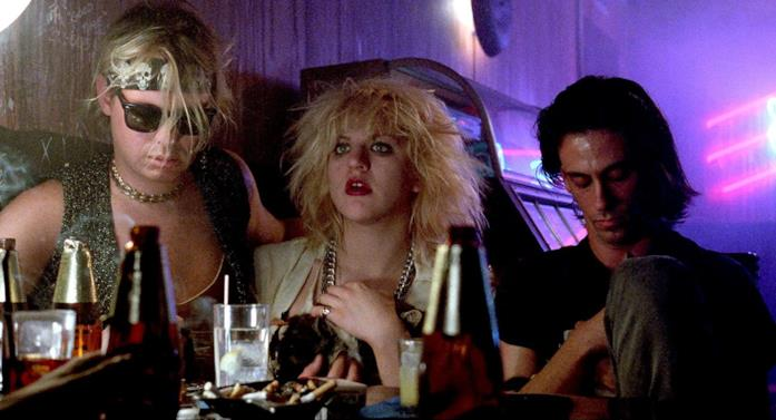Un'immagine del film Sid and Nancy, del 1986
