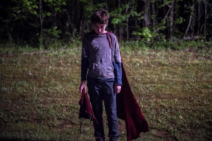 Brandon in una scena di L'angelo del male - Brightburn