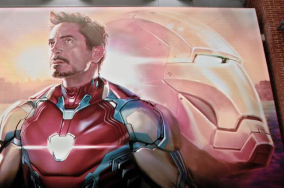 Pepper, Morgan, Happy, Rhodey e Steve al funerale di Tony Stark
