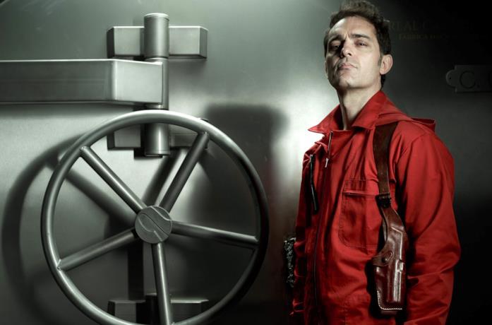 Pedro Alonso in una foto promozionale della prima stagione de La Casa di Carta