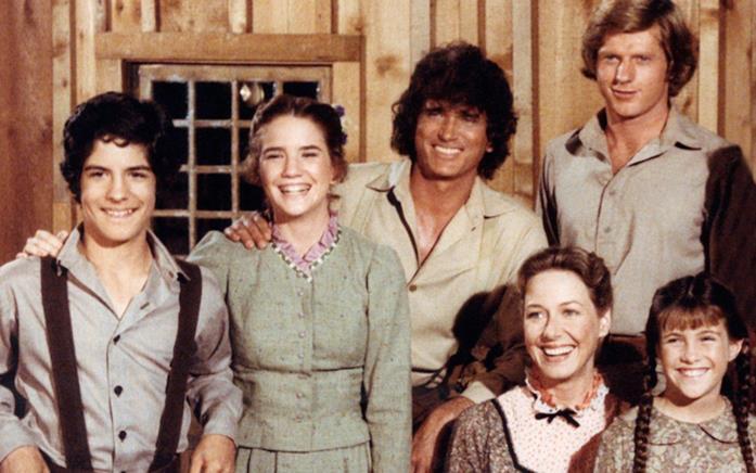 Laura e gli altri componenti della famiglia Ingalls