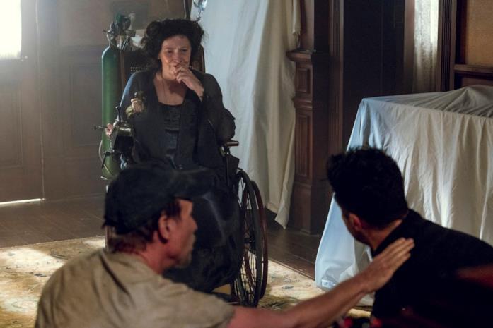 Jesse, la nonna e TC in una scena di Preacher 3