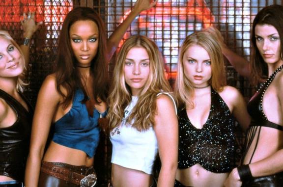 Le ragazze del Coyote Ugly, la colonna sonora e le curiosità sulle canzoni del film