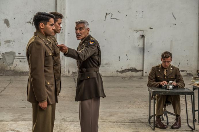 George Clooney è il Comandante Scheisskopf in Catch-22