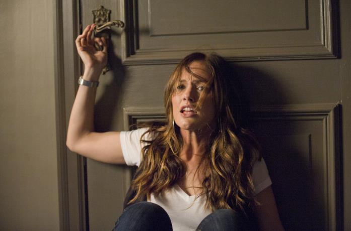 Minka Kelly in una scena del film The Roommate - Il terrore ti dorme accanto