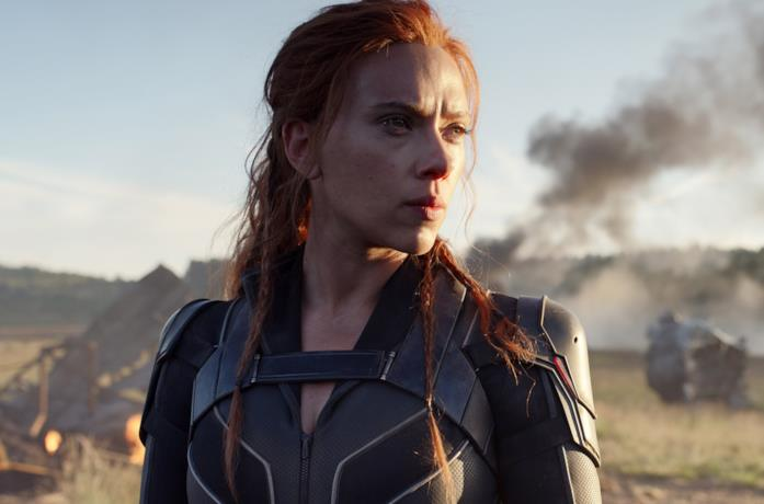Natasha Romanoff (Black Widow) si trova in un campo di battaglia