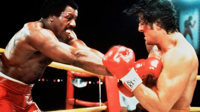 Carl Weathers e Sylvester Stallone in una scena di Rocky