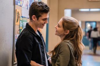 Hardin e Tessa si guardano negli occhi