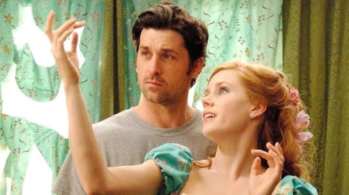 Amy Adams e Patrick Dempsey in una scena di Come d'Incanto