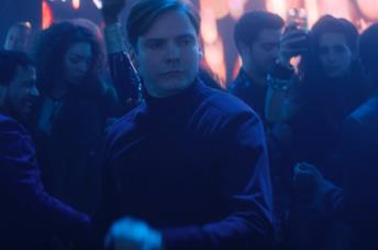 Daniel Brühl nel terzo episodio di The Falcon and The Winter Soldier