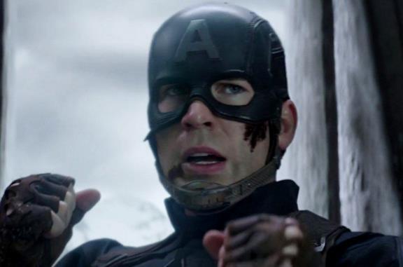 Captain America: un video mostra tutti (ma proprio tutti) i pugni incassati nel MCU