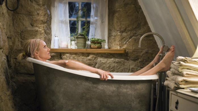 Una scena del bagno di Cameron Diaz ne L'amore non va in vacanza