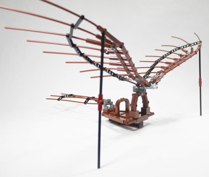 Primo piano della parte superiore del set Ornitottero di Leonardo da Vinci di LEGO