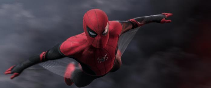Spider-Man plana grade alla sua nuova tuta
