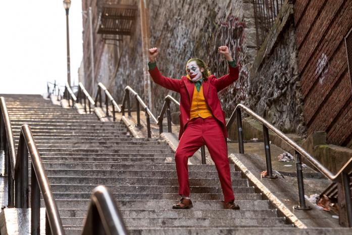 Joker balla sulle scale a New York