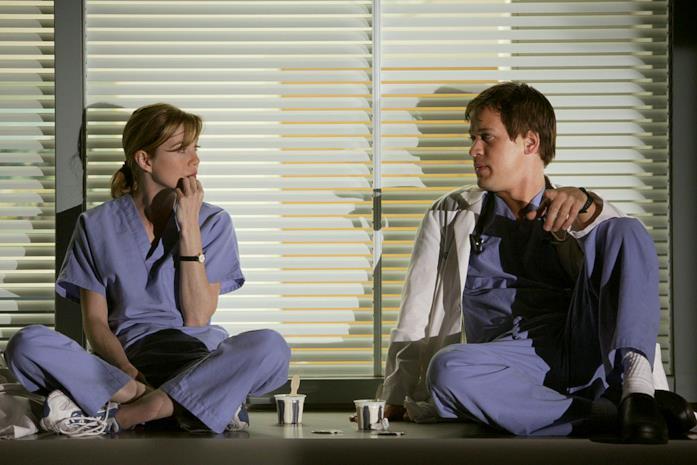 Ellen Pompeo e T.R. Knight nelle prime stagioni di Grey's Anatomy