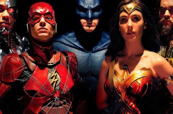 Un'immagine del cast di Justice League
