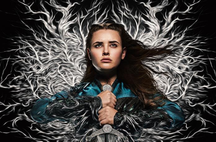 Un'immagine di Katherine Langford nel poster di Cursed