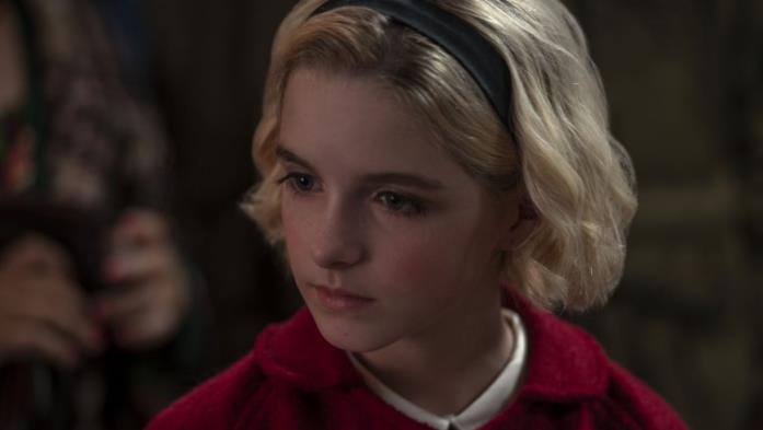 Sabrina da bambina in una still dallo speciale di natale de Le Terrificanti Avventure di Sabrina
